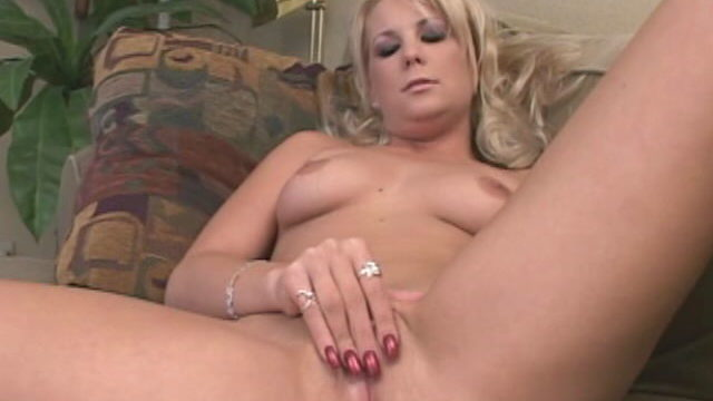 Sublime Blonde Temptress Elizabeth Del Mar Spreading Legs And Rubbing Her Candy Crimson Broad Faced Chicken