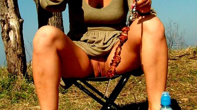 Engaging Brunette Novice Spouse Dasha Flashing Purple Muff Upskirt And Ingesting Beer At A Picnic