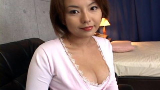 Rio Kurusu Has Pussy Fingered And Tits Happy