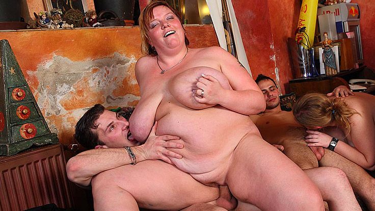 Immense Lady Dances And Will Get Plowed At Pub