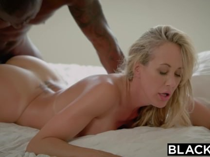Blacked Brandi Enjoy´s First-ever Humungous Ebony Manstick
