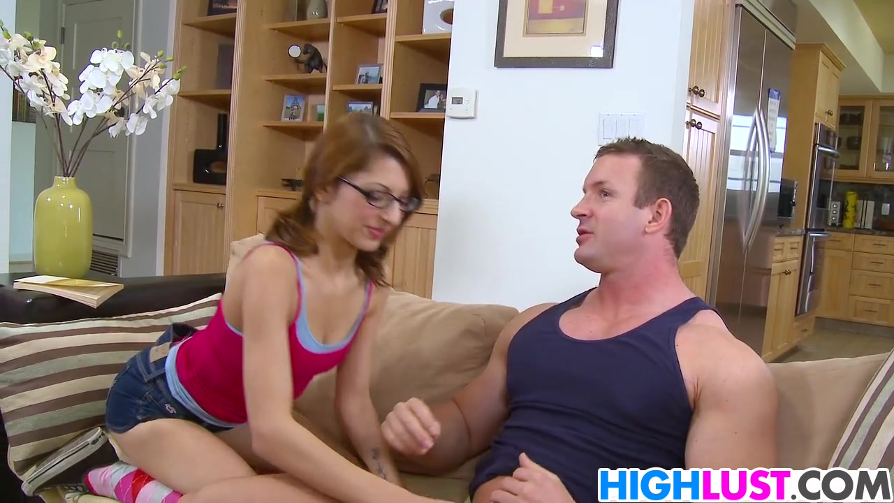 Nerdy College Girl Lexi Bloom Learns Fast