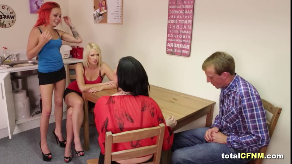 Trio Cfnm Stunners Fellating Fellow's Penis